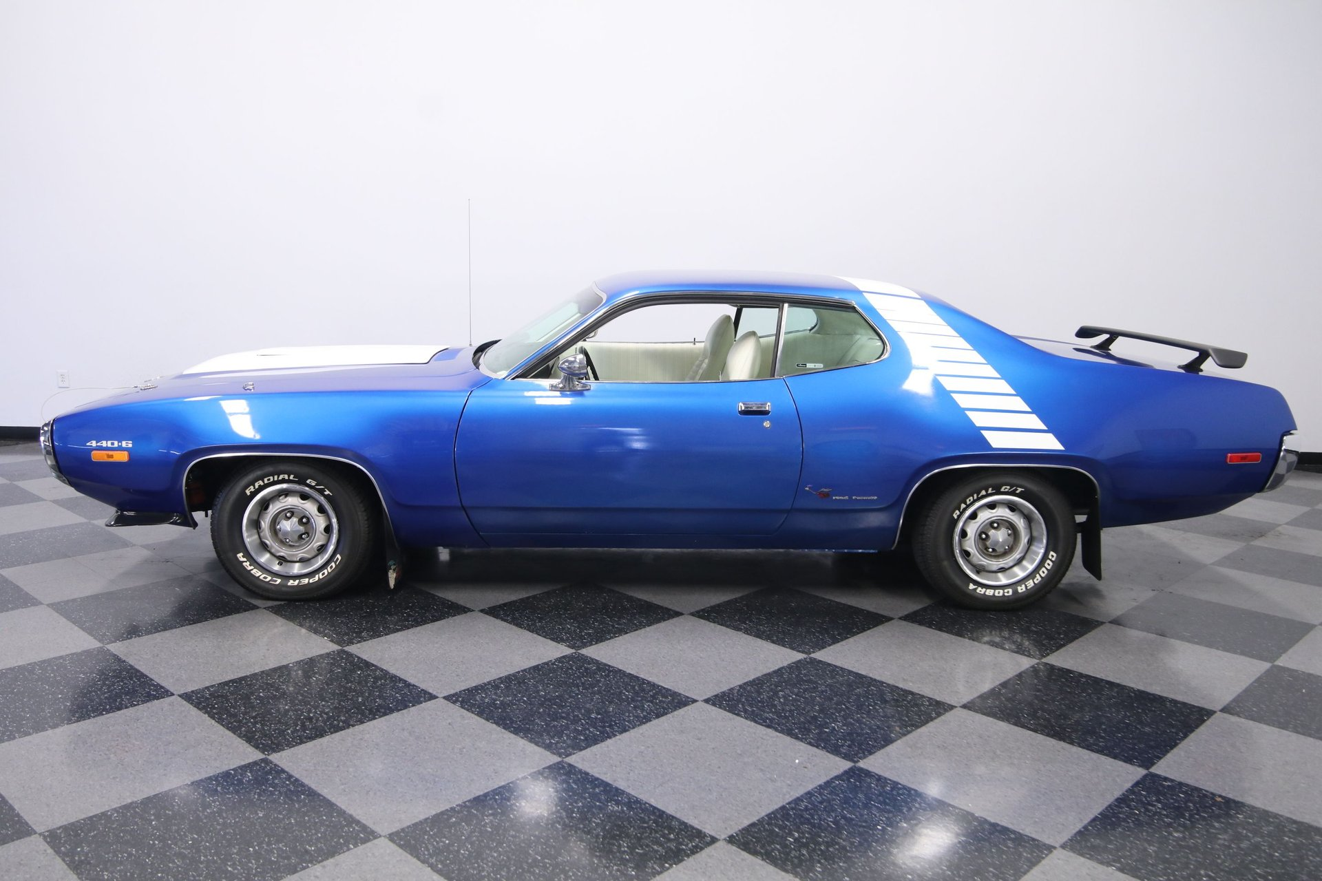 1972 plymouth road runner 440 six pack