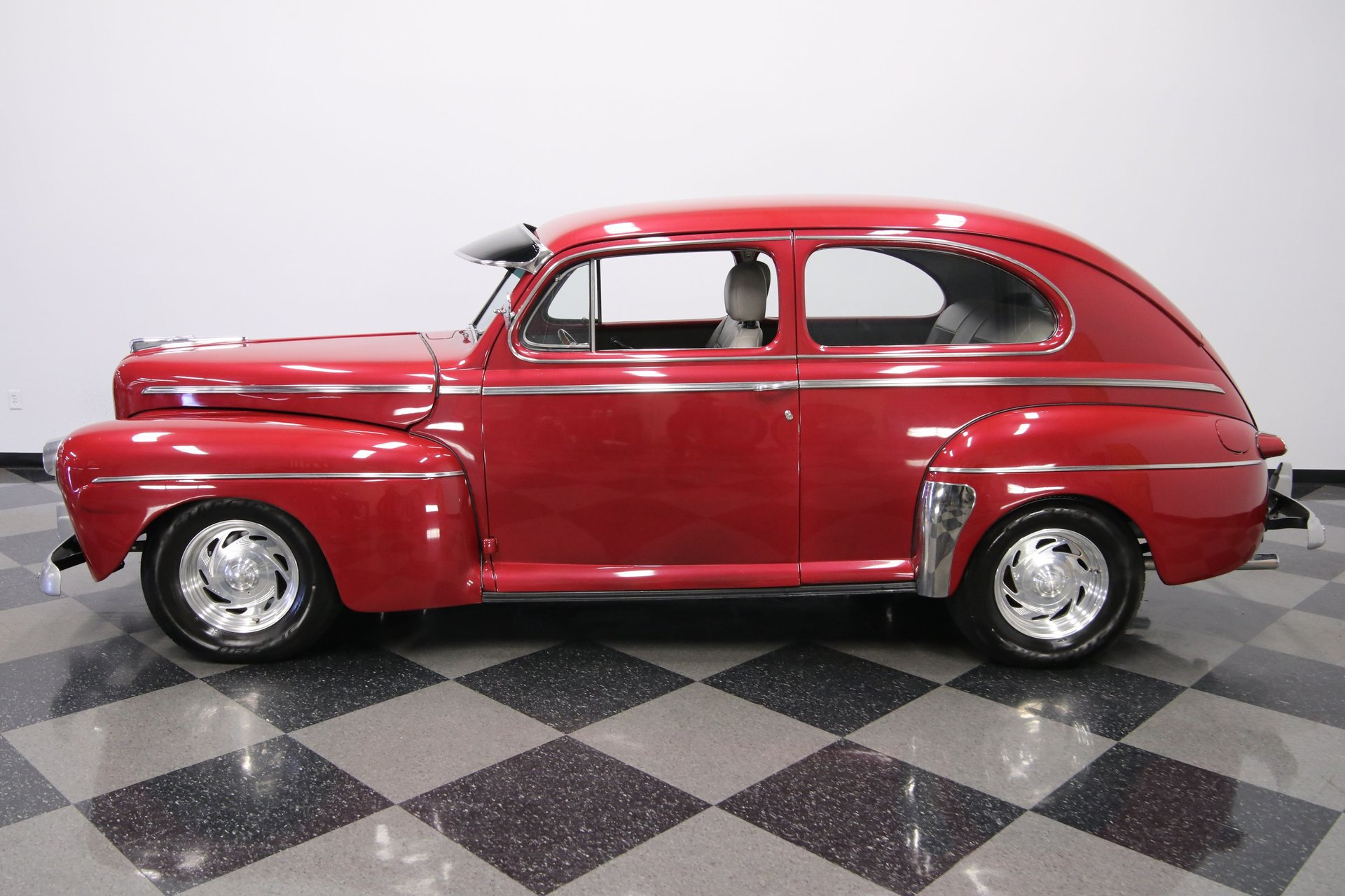 1946 ford deluxe streetrod