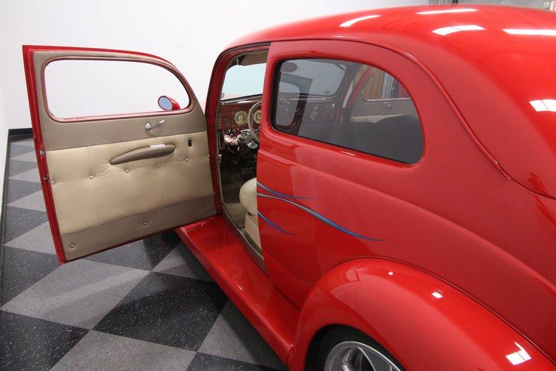 1937 Ford Humpback 43