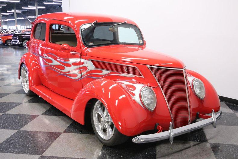1937 Ford Humpback 17