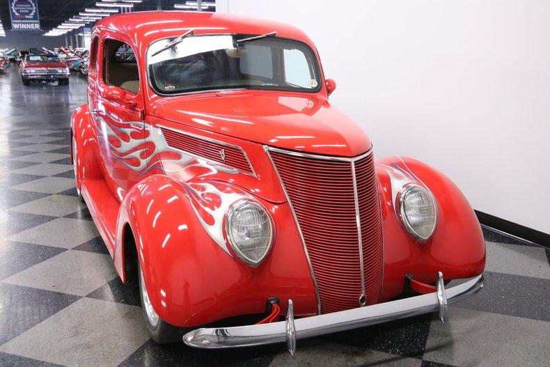 1937 Ford Humpback 18