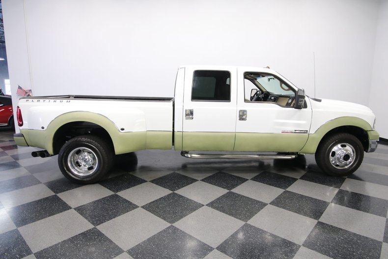 1999 Ford F-350 32