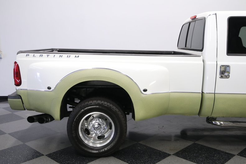 1999 Ford F-350 33