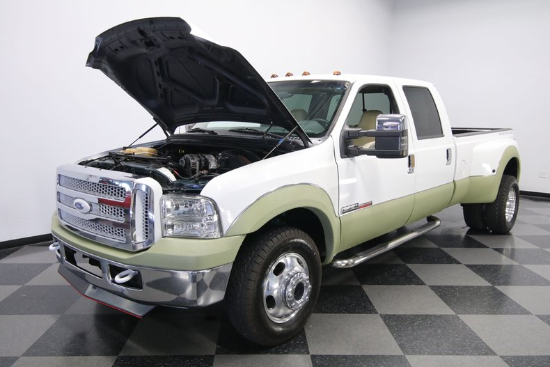 1999 Ford F-350 36