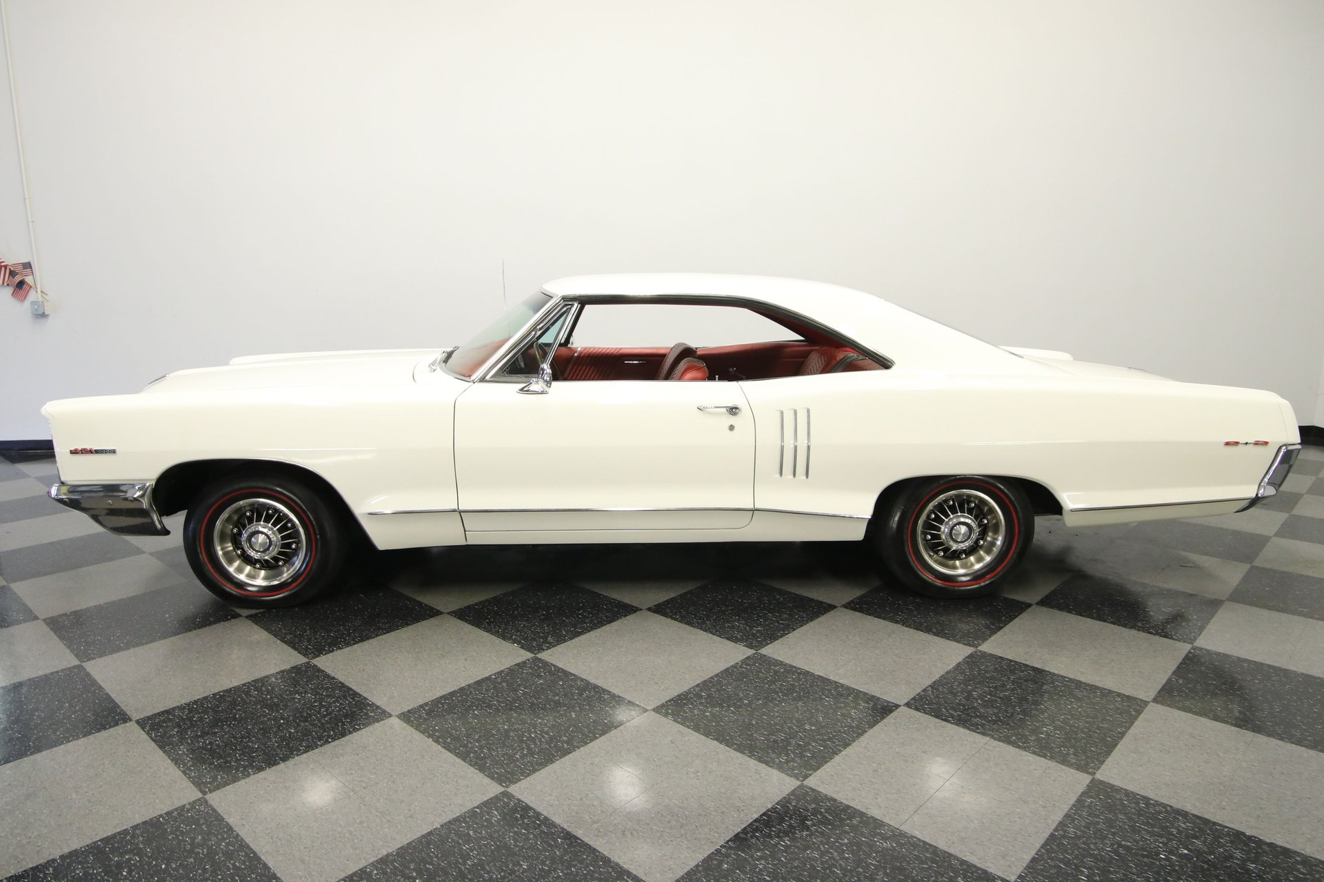 1966 pontiac 2 2 hardtop