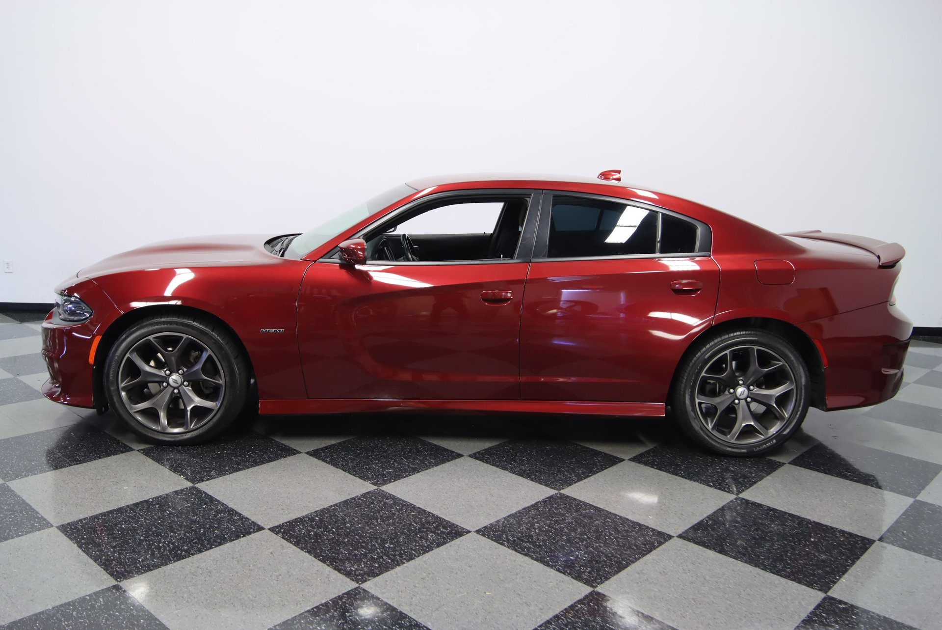 2019 dodge charger r t