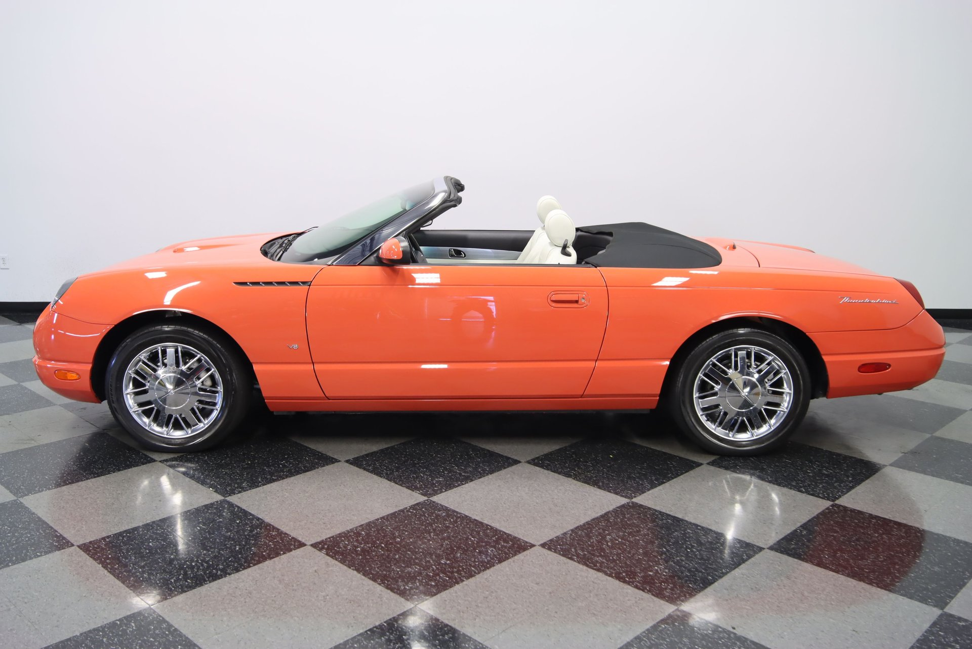 2003 ford thunderbird 007 limited edition