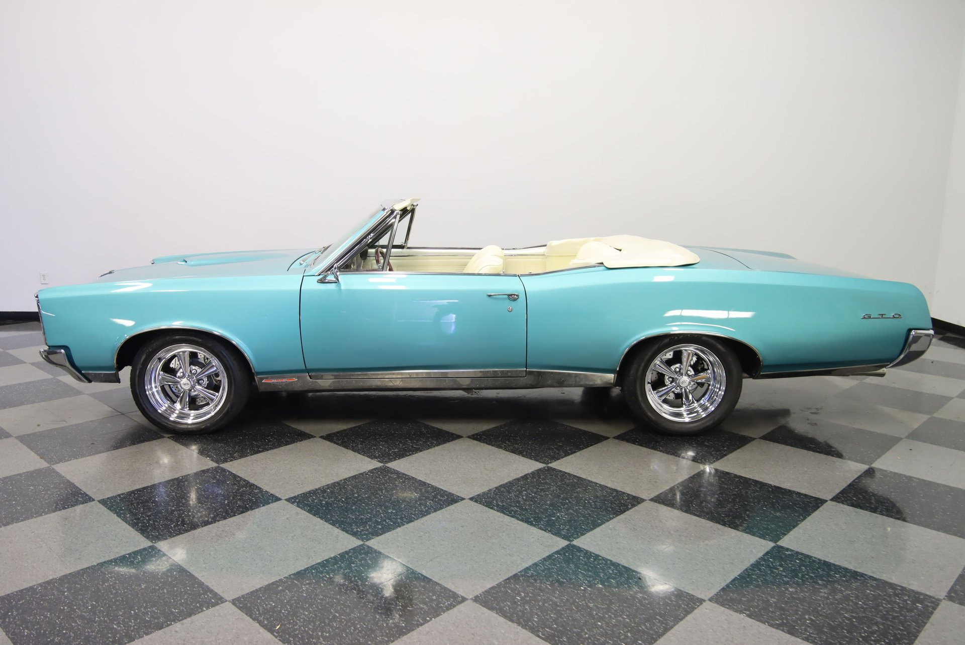 1967 pontiac gto convertible restomod