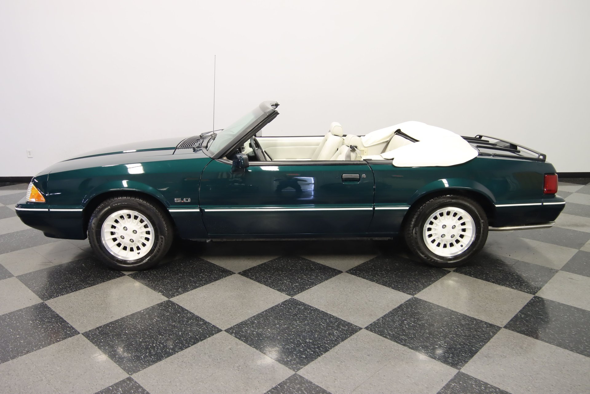 1990 ford mustang lx 7 up edition