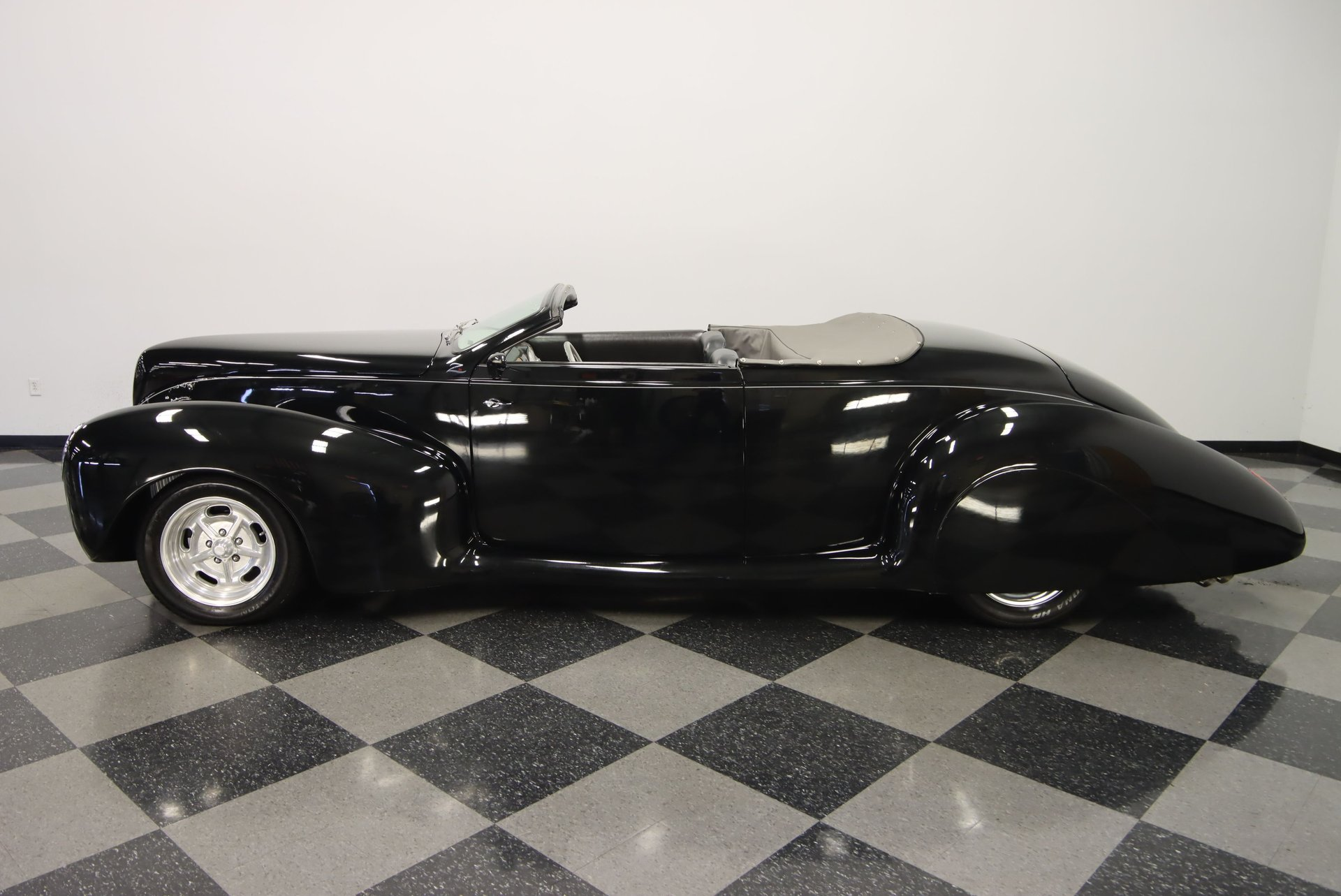 1939 lincoln zephyr convertible