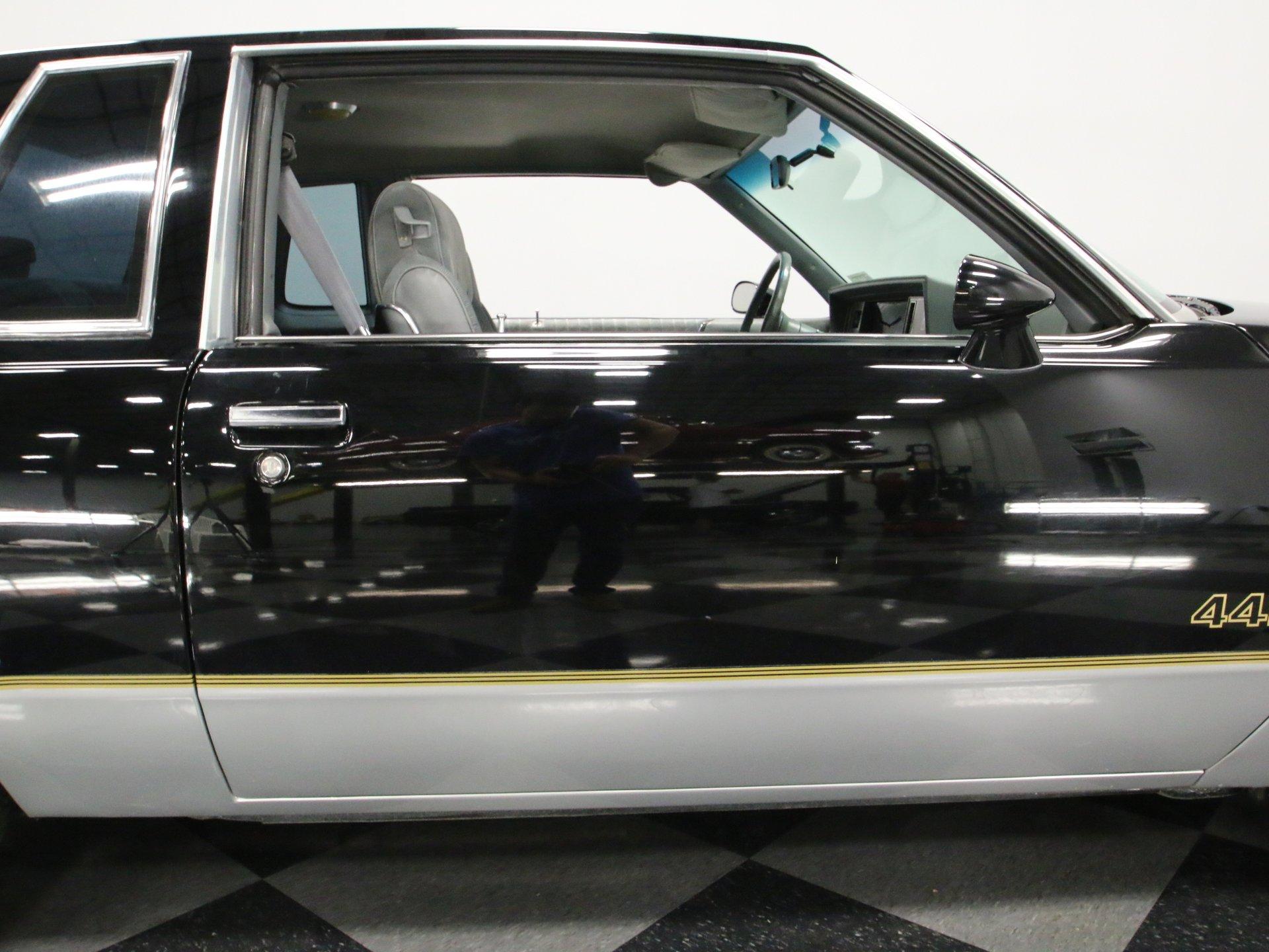1987 Oldsmobile 442 | Streetside Classics - The Nation's