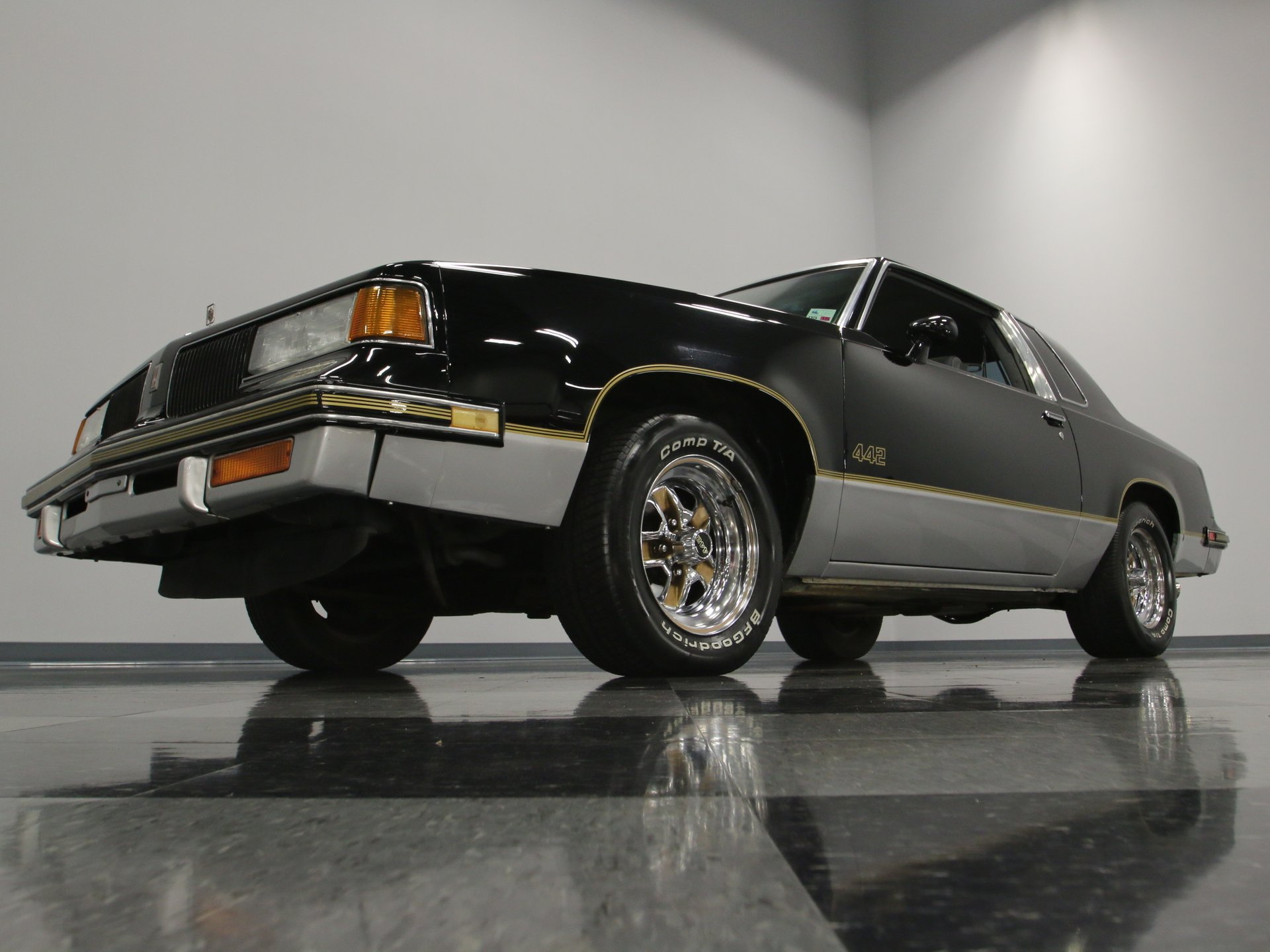 1987 Oldsmobile 442 | Streetside Classics - The Nation's