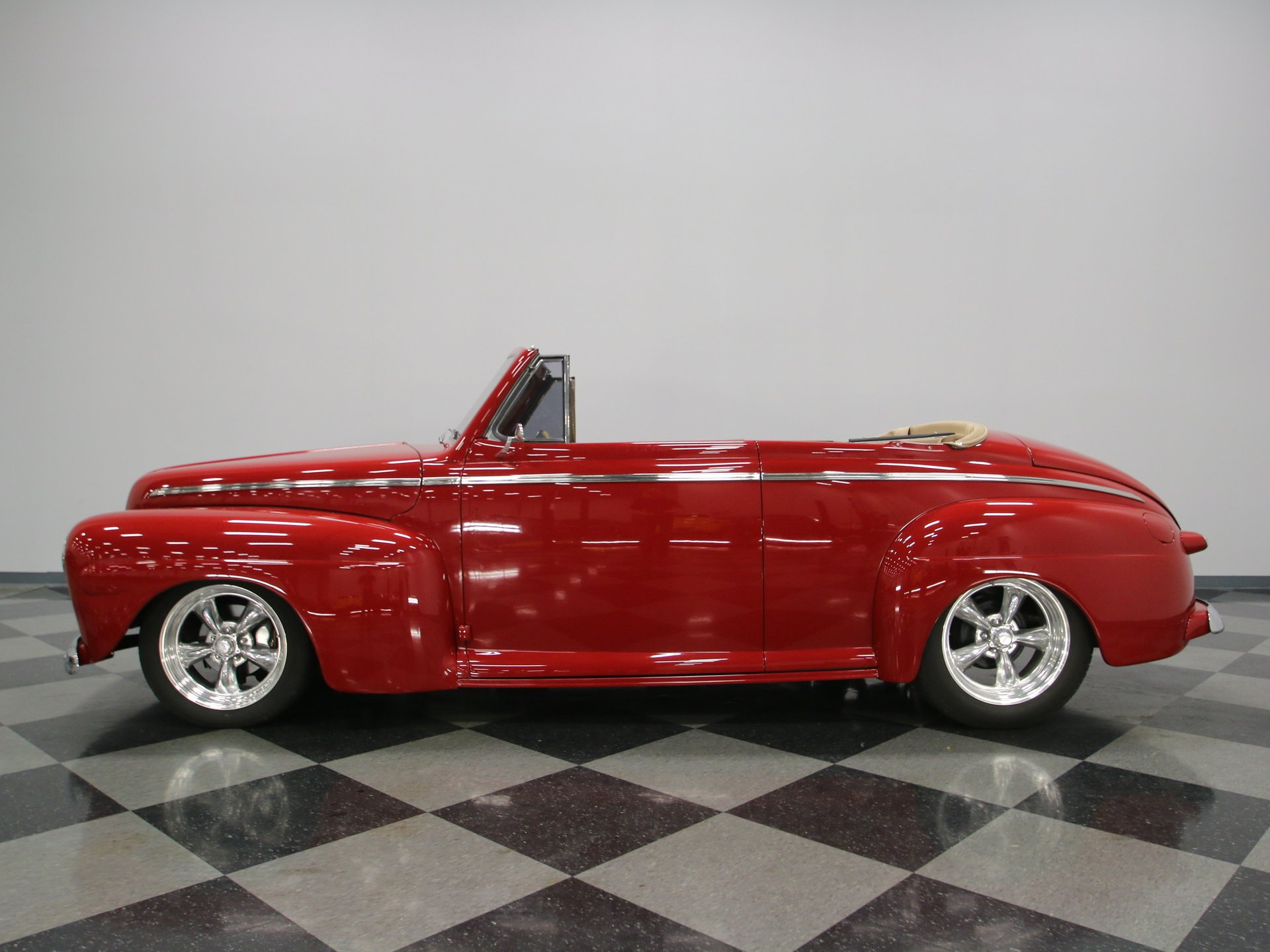 1946 ford club coupe convertible