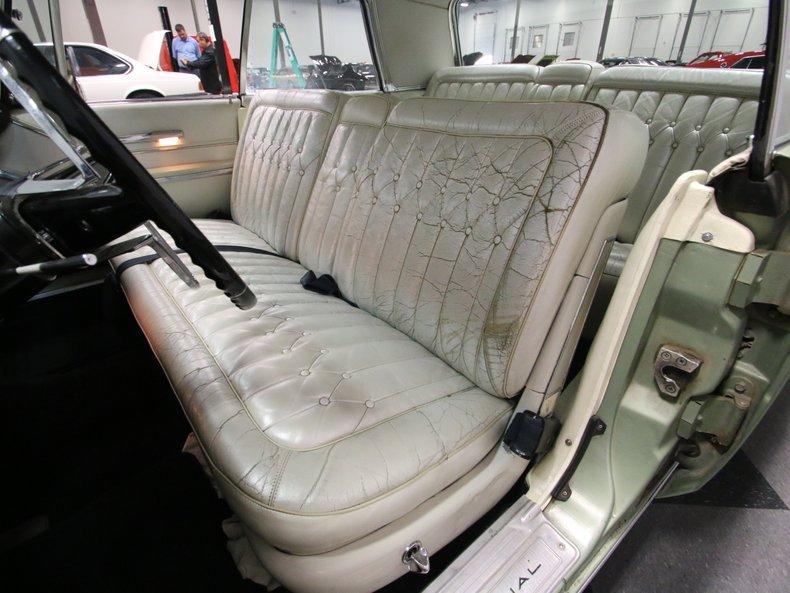 1964 Chrysler Imperial 39