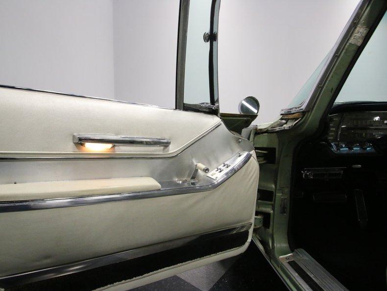 1964 Chrysler Imperial 37