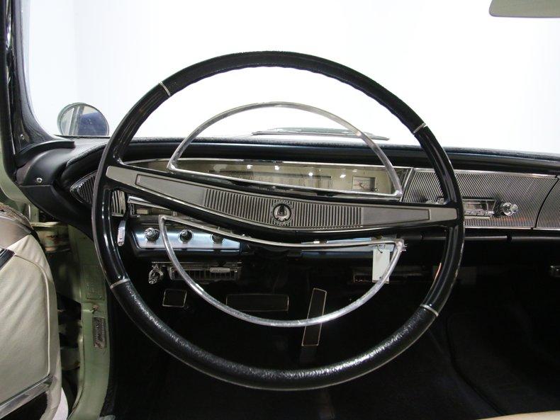 1964 Chrysler Imperial 41