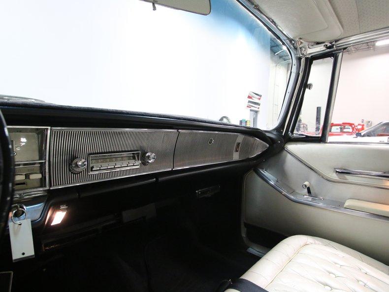 1964 Chrysler Imperial 43