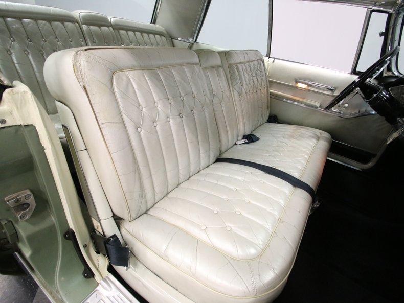 1964 Chrysler Imperial 46