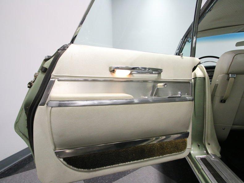 1964 Chrysler Imperial 49