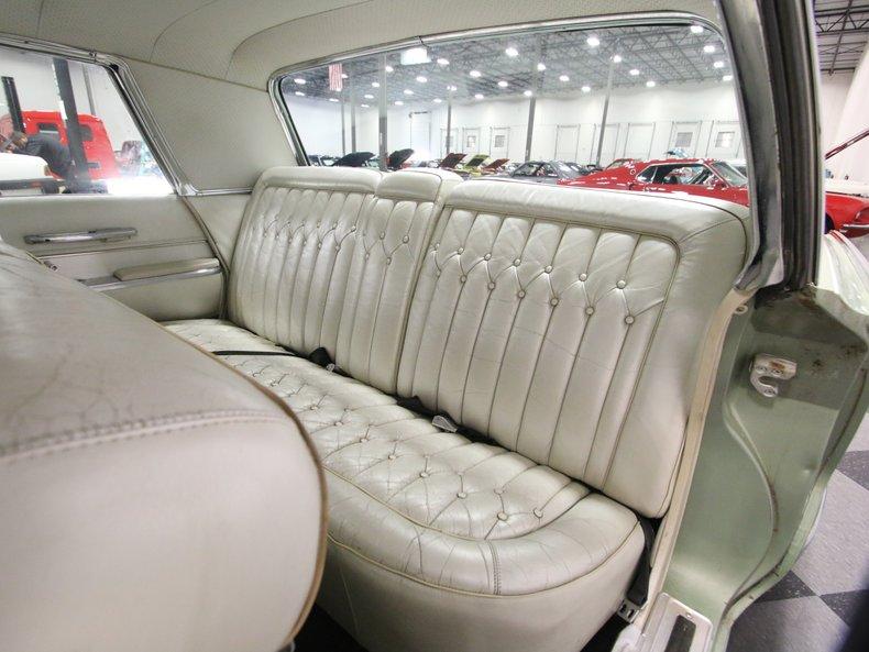 1964 Chrysler Imperial 51