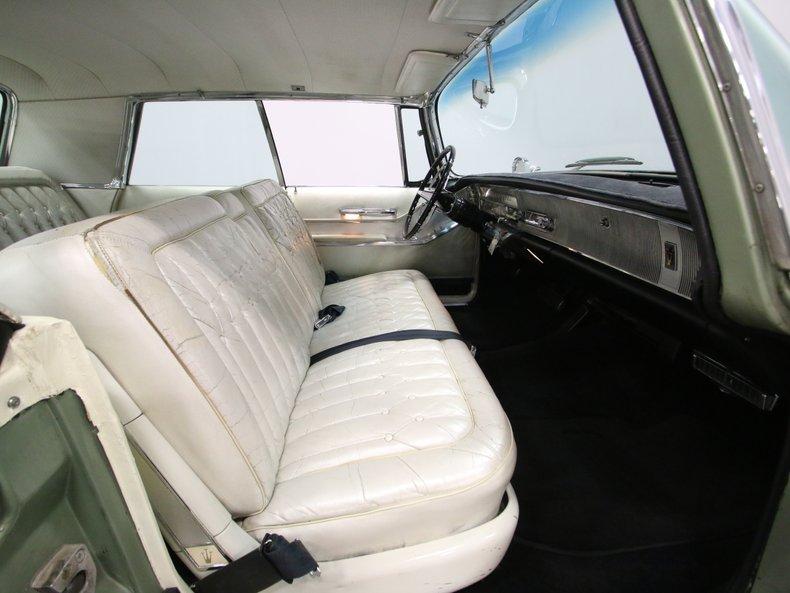1964 Chrysler Imperial 47