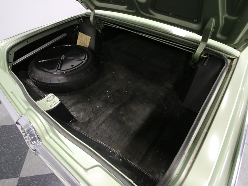 1964 Chrysler Imperial 35