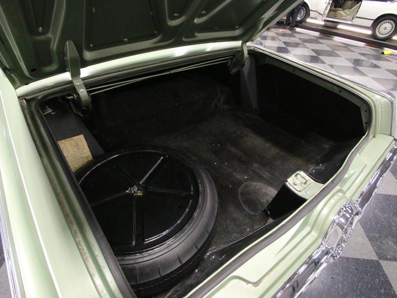 1964 Chrysler Imperial 33