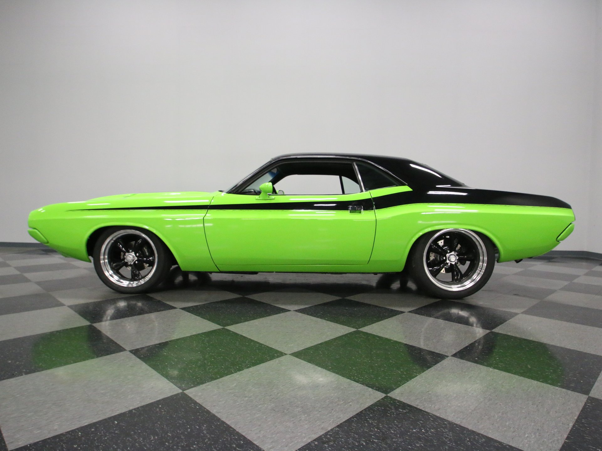 1973 dodge challenger restomod