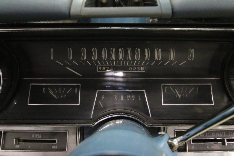 1966 Cadillac DeVille 35