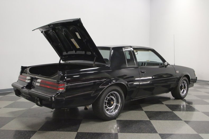 1987 Buick Grand National 32