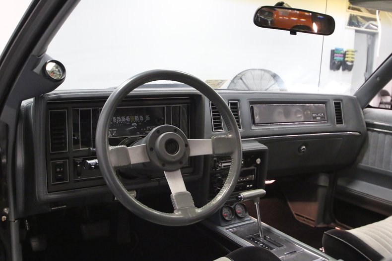 1987 Buick Grand National 38