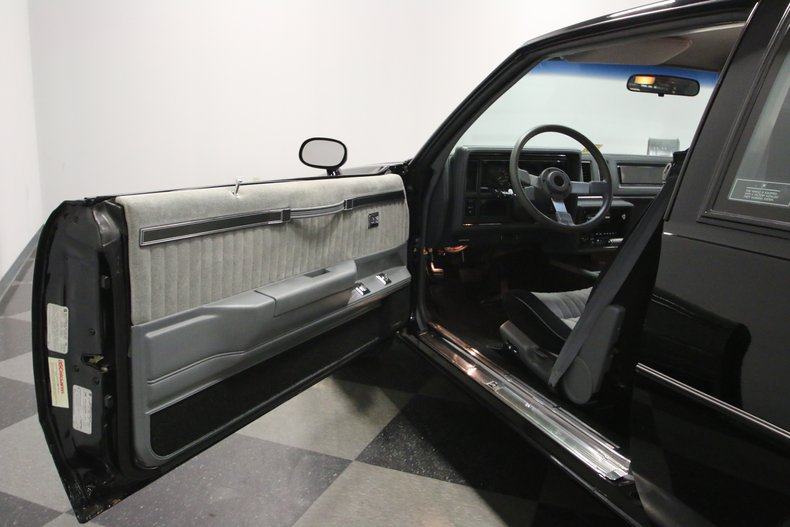 1987 Buick GNX 39