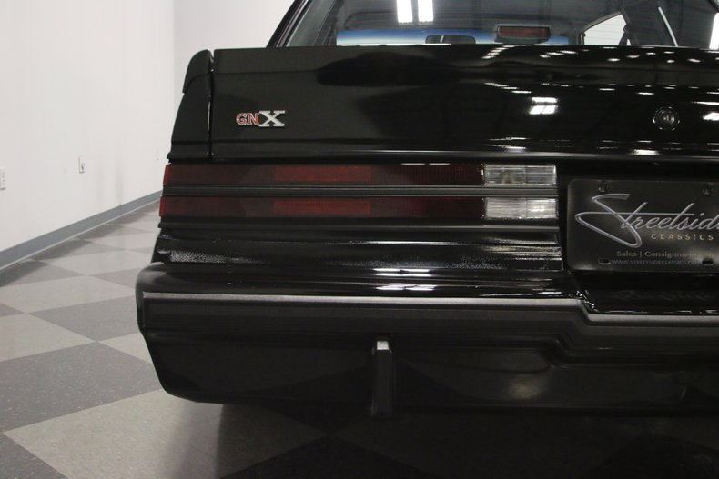 1987 Buick GNX 28
