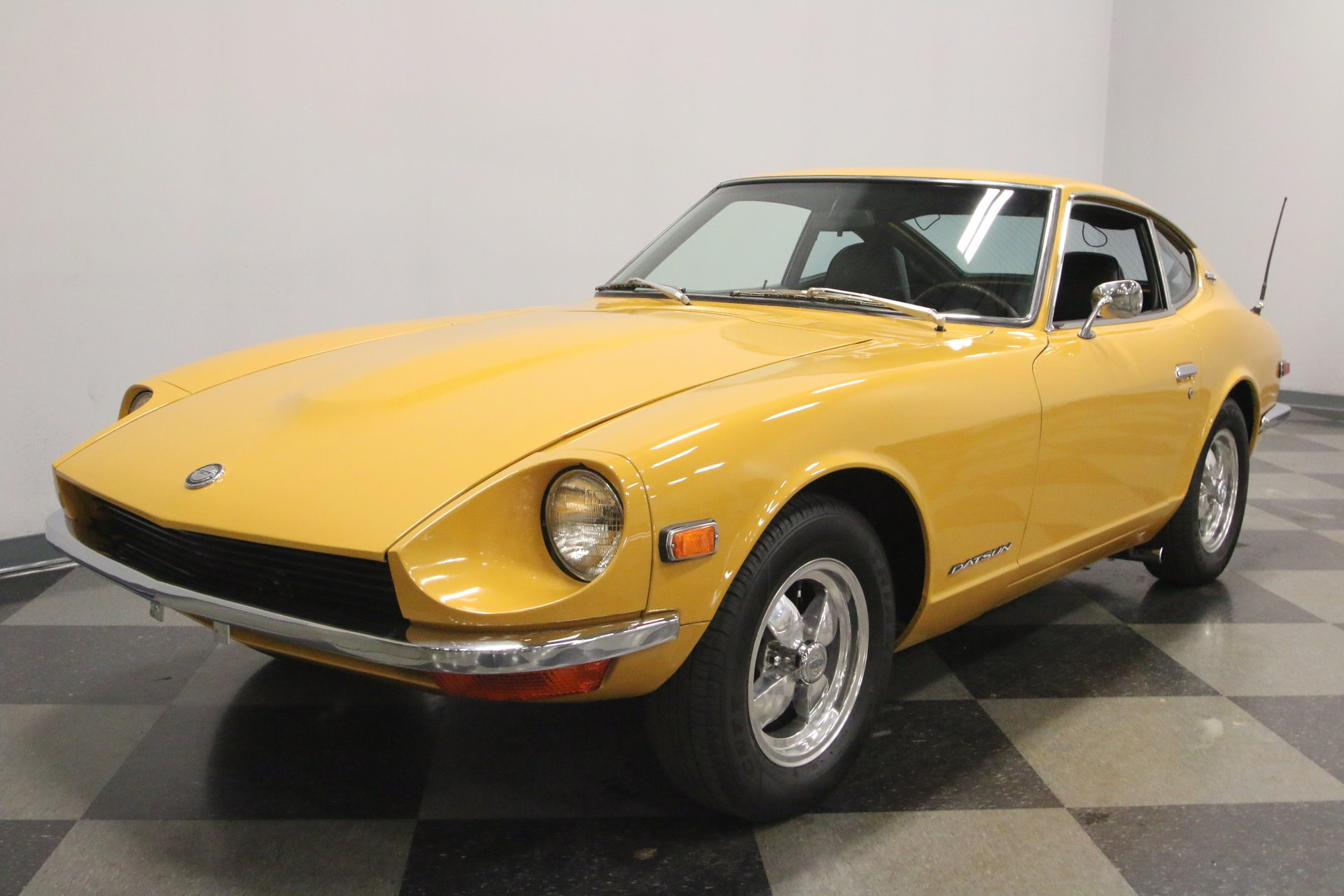 1970 Datsun 240Z   Streetside Classics - The Nation's