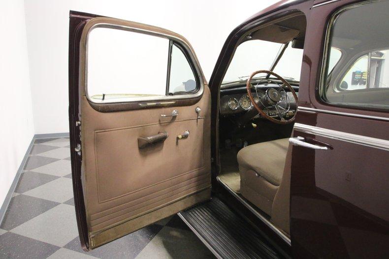 1940 Buick Series 80 29