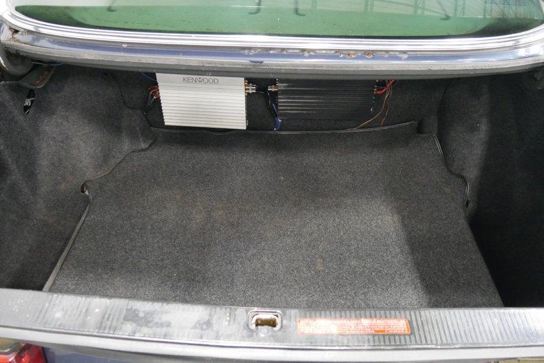 1983 Mercedes-Benz 500 SEL 24