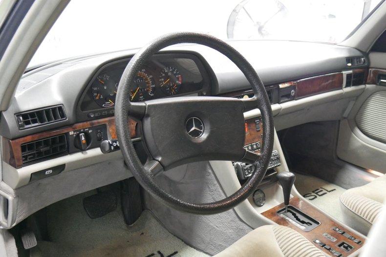 1983 Mercedes-Benz 500 SEL 28