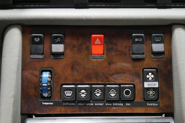 1983 Mercedes-Benz 500 SEL 32
