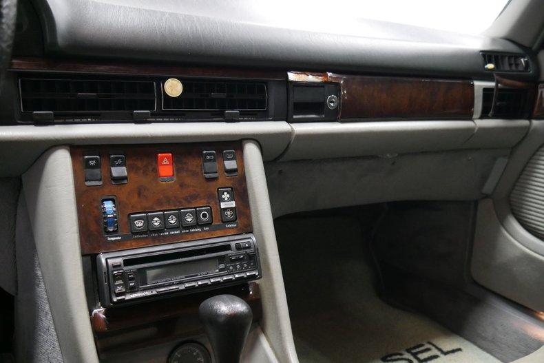 1983 Mercedes-Benz 500 SEL 36