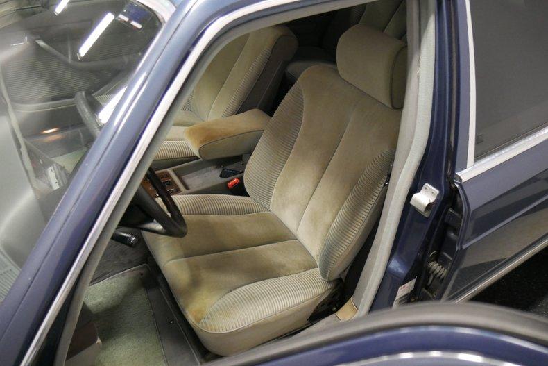 1983 Mercedes-Benz 500 SEL 37