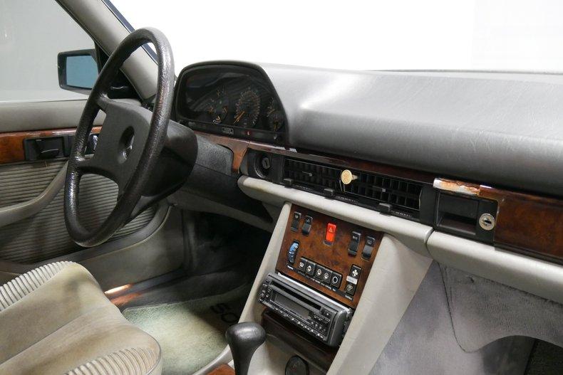 1983 Mercedes-Benz 500 SEL 41