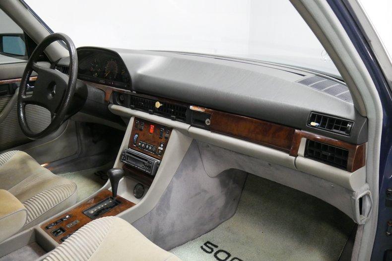 1983 Mercedes-Benz 500 SEL 40