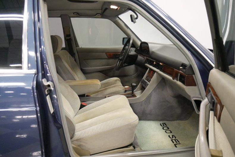 1983 Mercedes-Benz 500 SEL 39