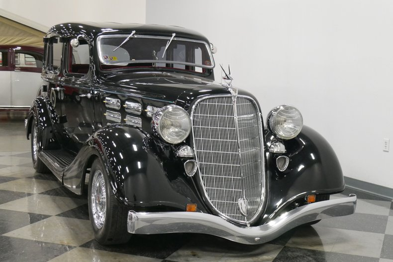 1934 Hudson Eight 18