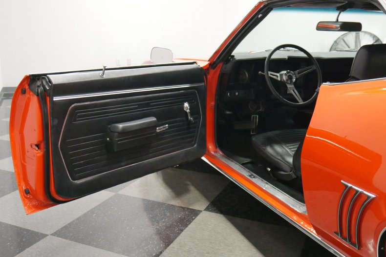 1969 Chevrolet Camaro 38