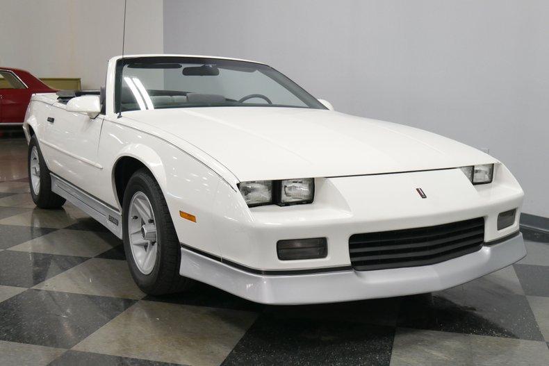 1988 Chevrolet Camaro 17