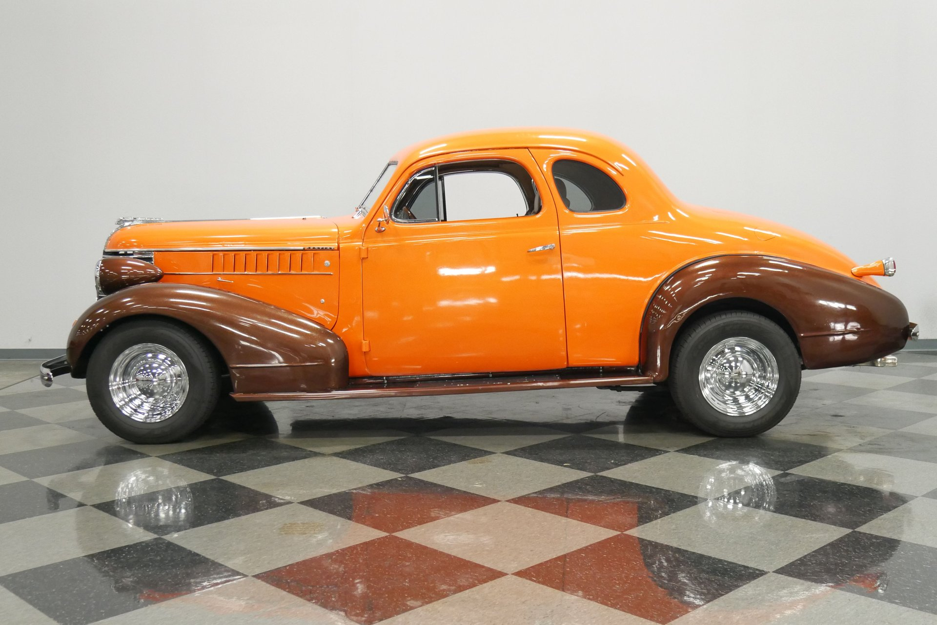 1938 pontiac 5 window business coupe