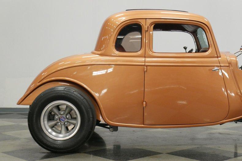 1934 Ford 5-Window 25