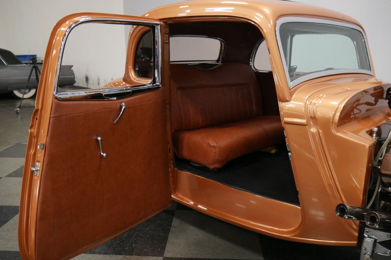 1934 Ford 5-Window 49