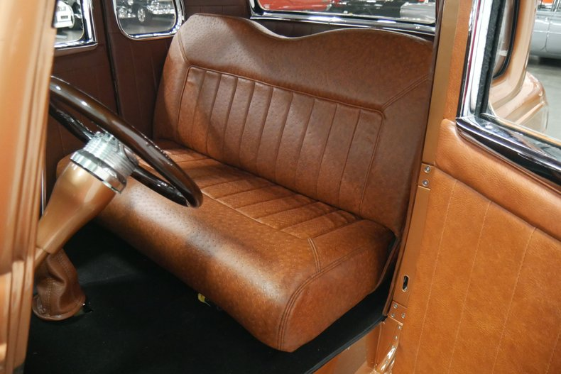 1934 Ford 5-Window 43